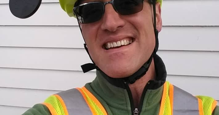 CyclingSavvy Instructor Brian Watson and his bicycle helmet mirrors