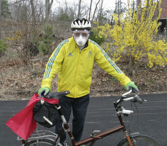 Should bicyclists wear face masks? The author in full kit for a shopping trip.